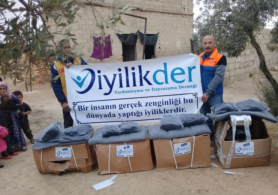 توزيع 250 مدفأة وعددا من البطانيات أيضا للعوائل السورية المحتاجة في كل من مدينة الباب والراعي وبزاعة